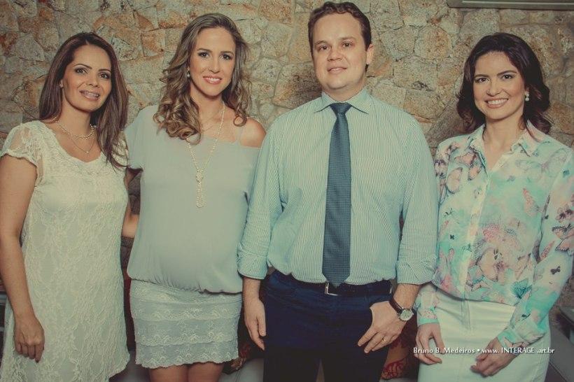 """""""Profissionais da Clínica Camila Caitano: Samira Sturion Nunes, Dra Camila Caitano, Dr Marcelo Caitano e Dra Viviany Amaral""""."""
