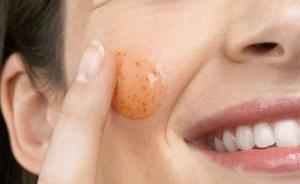 esfoliar-pele-para-evitar-poros-dilatados